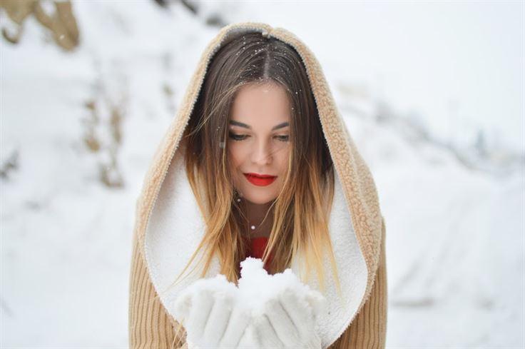Tinute de iarna - Tu cum te imbraci in sezonul rece? Renunta la outfit-urile anoste, opteaza pentru diversitate si culoare
