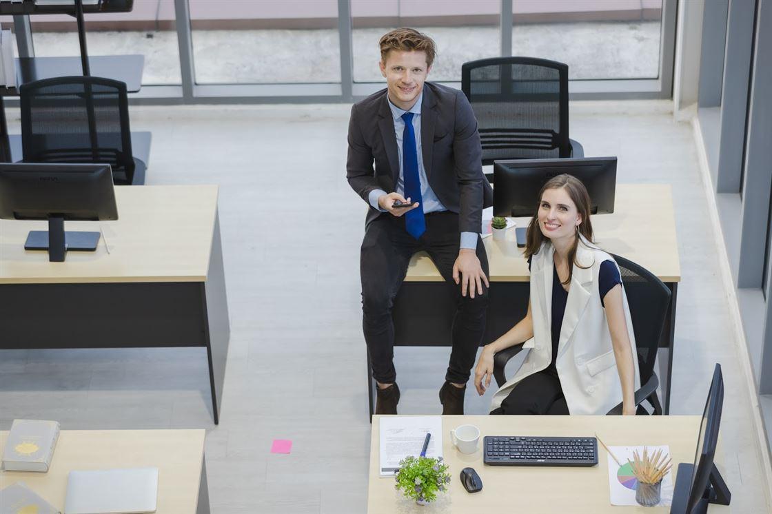 TINUTE OFFICE CASUAL: Cum sa alcatuiesti outfituri de birou, elemente necesare + IDEI