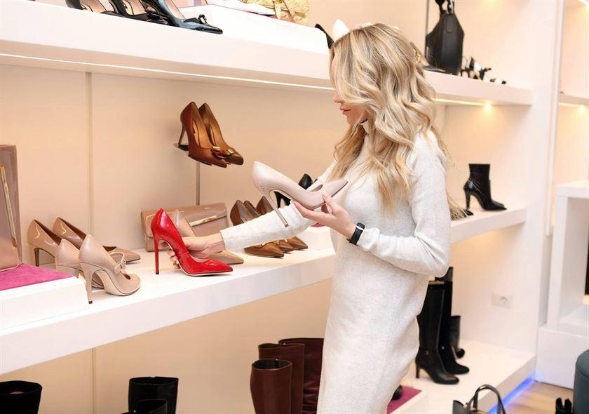 Asortarea pantofilor cu rochia: Tot ce NU stiai despre combinatiile vestimentare de NOTA 10 + RECOMANDARI